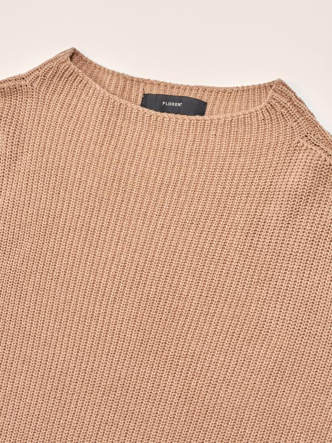 SLEEVELESS KNIT
