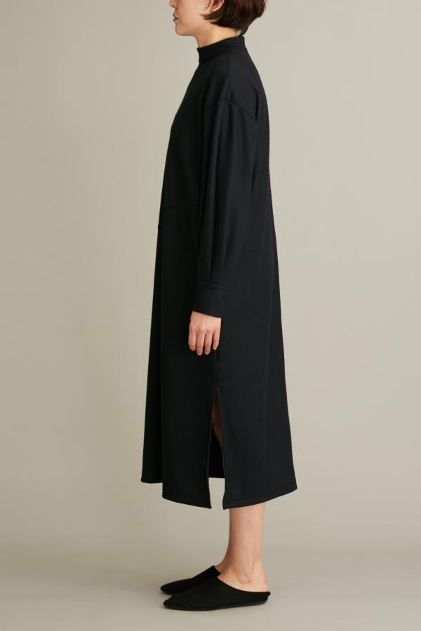 HIGH NECH MIDI DRESS