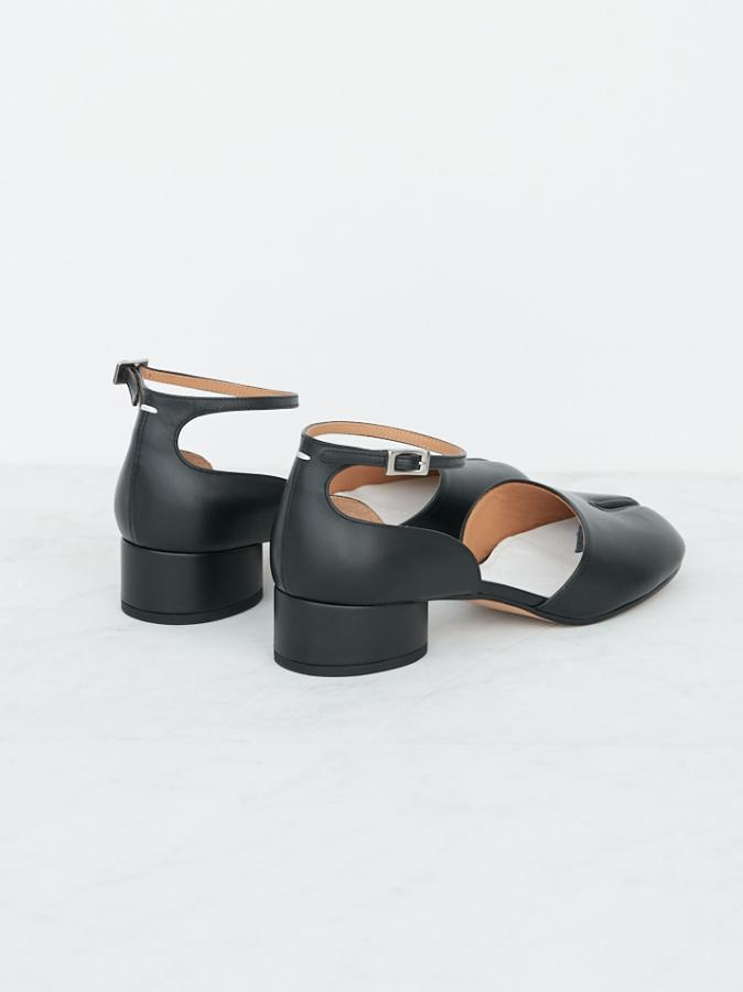 TABI LEATHER UNCLE STRAP SHOES