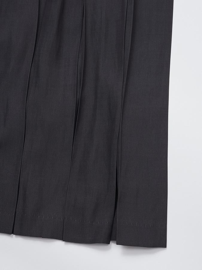 SILKY TOUCH PLEATED SKIRT